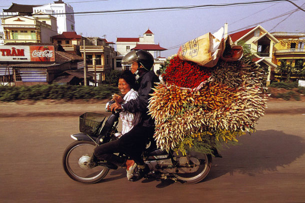 Balancing Art on the Motorbikes in Vietnam