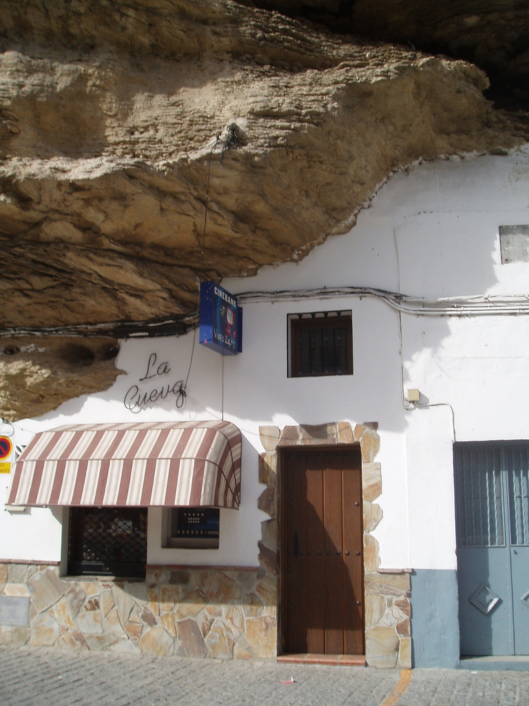 The Town Living Under the Rock (1)