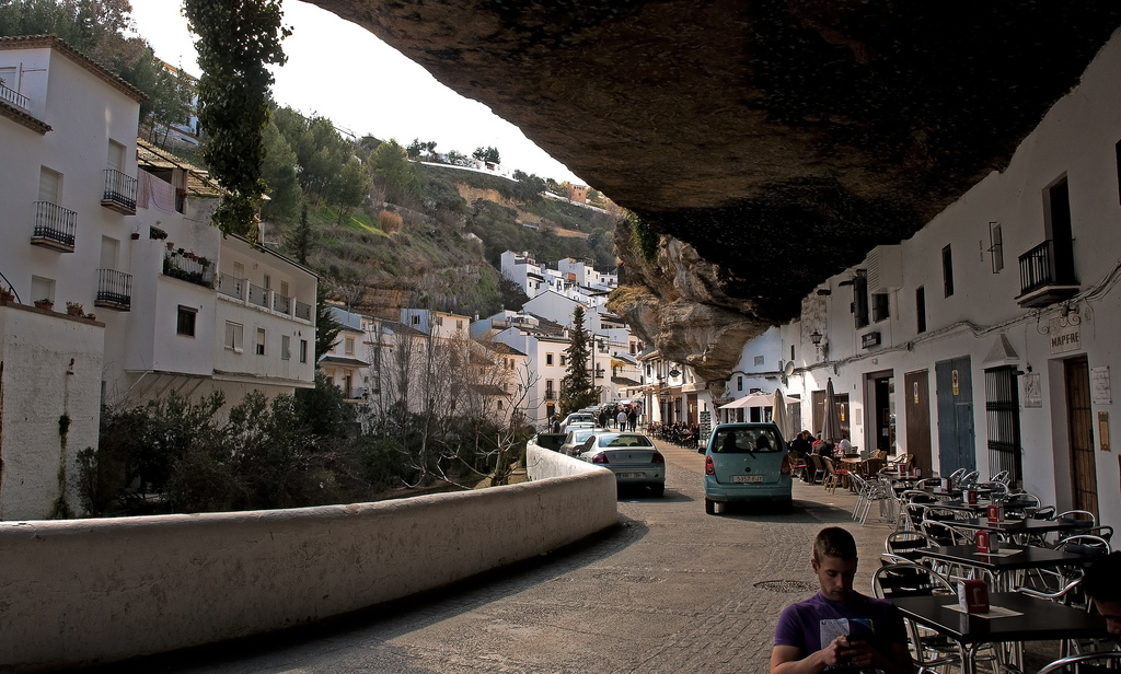 The Town Living Under the Rock (3)