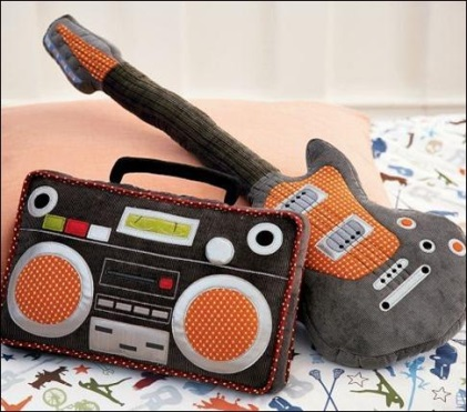 16 Cool And Creative Pillows (9)