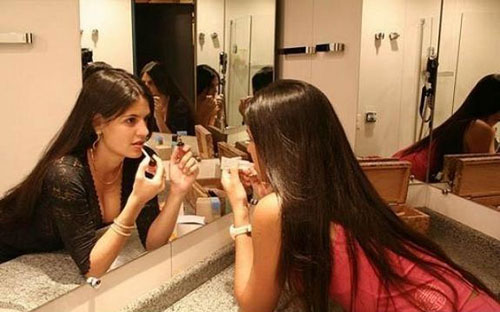 funny pictures you have to look at mirror