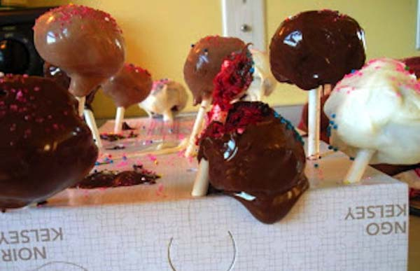13fuck I just feel bad for these cake pops.
