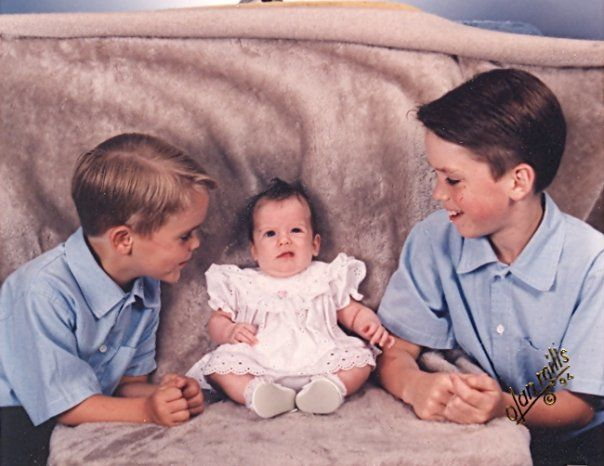 Awkward Baby  Family Pictures (14)