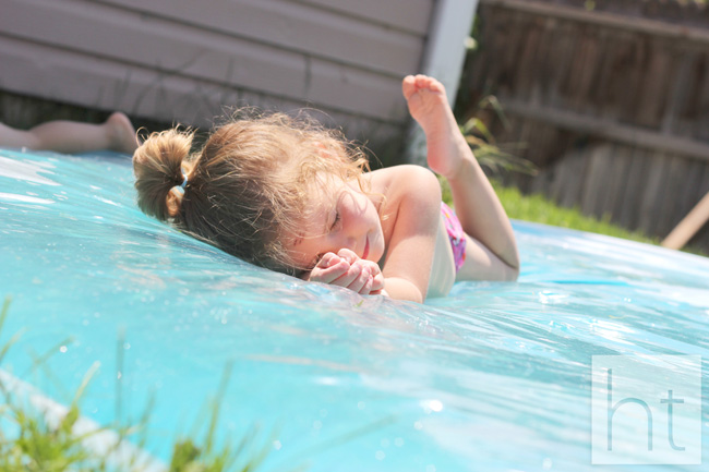 DIY Make A Giant Outdoor Waterbed (12)