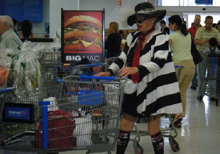 Strange And Funny Looking People Of Walmart (4)