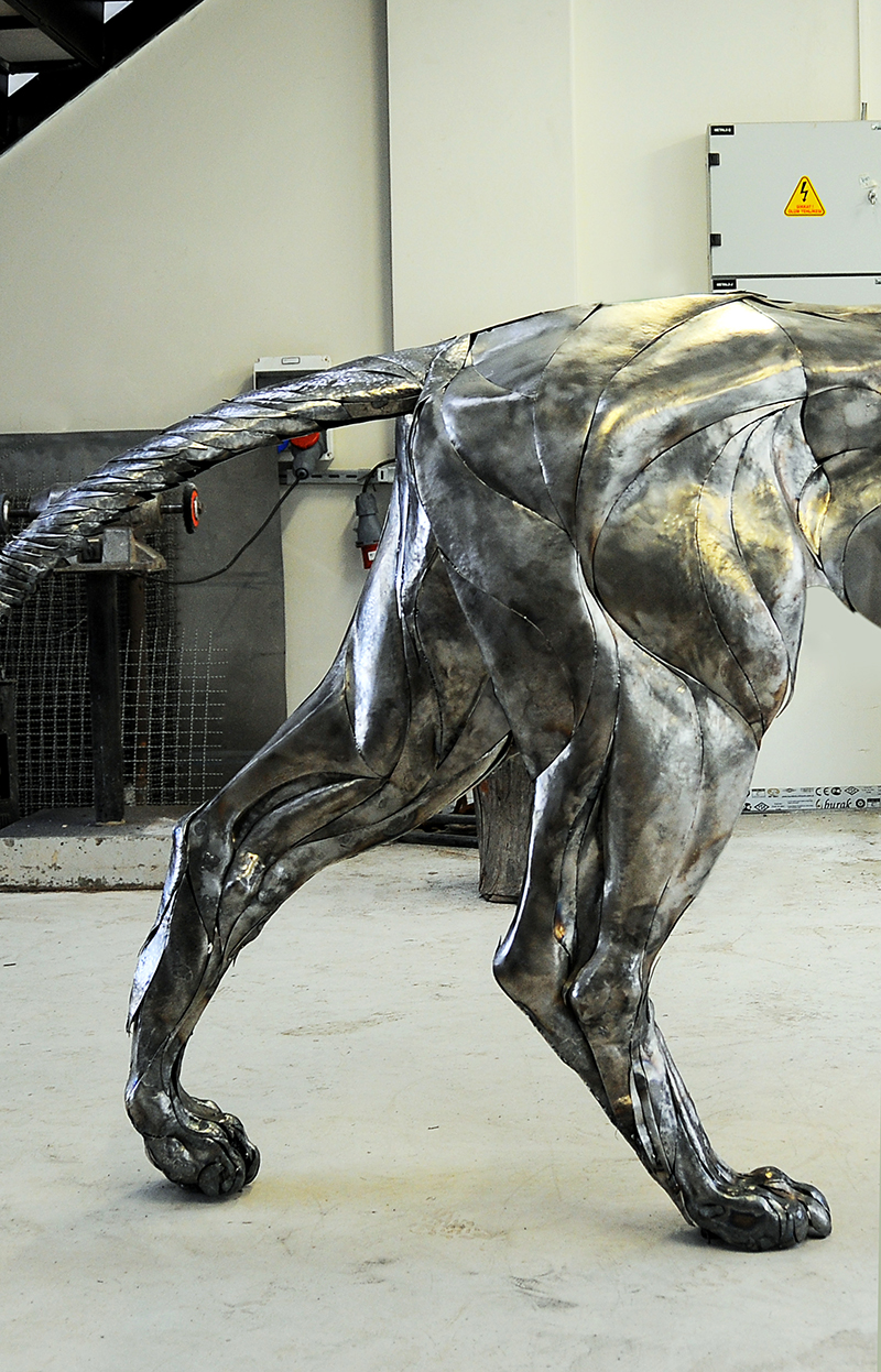 Metal Lion Sculpture: Made From Around 4000 Metal Pieces