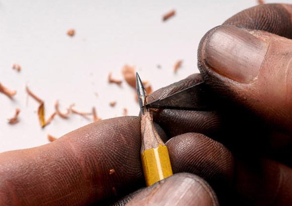 Incredible! Tiniest Sculptures On The Tip Of A Pencil