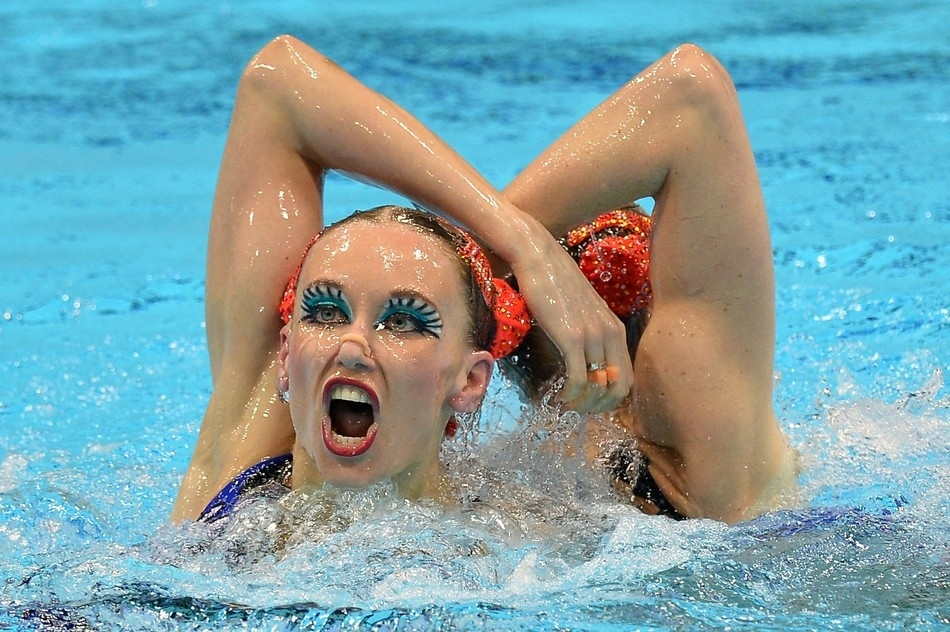 Horrible Faces in the Olympic Synchronized Swimming