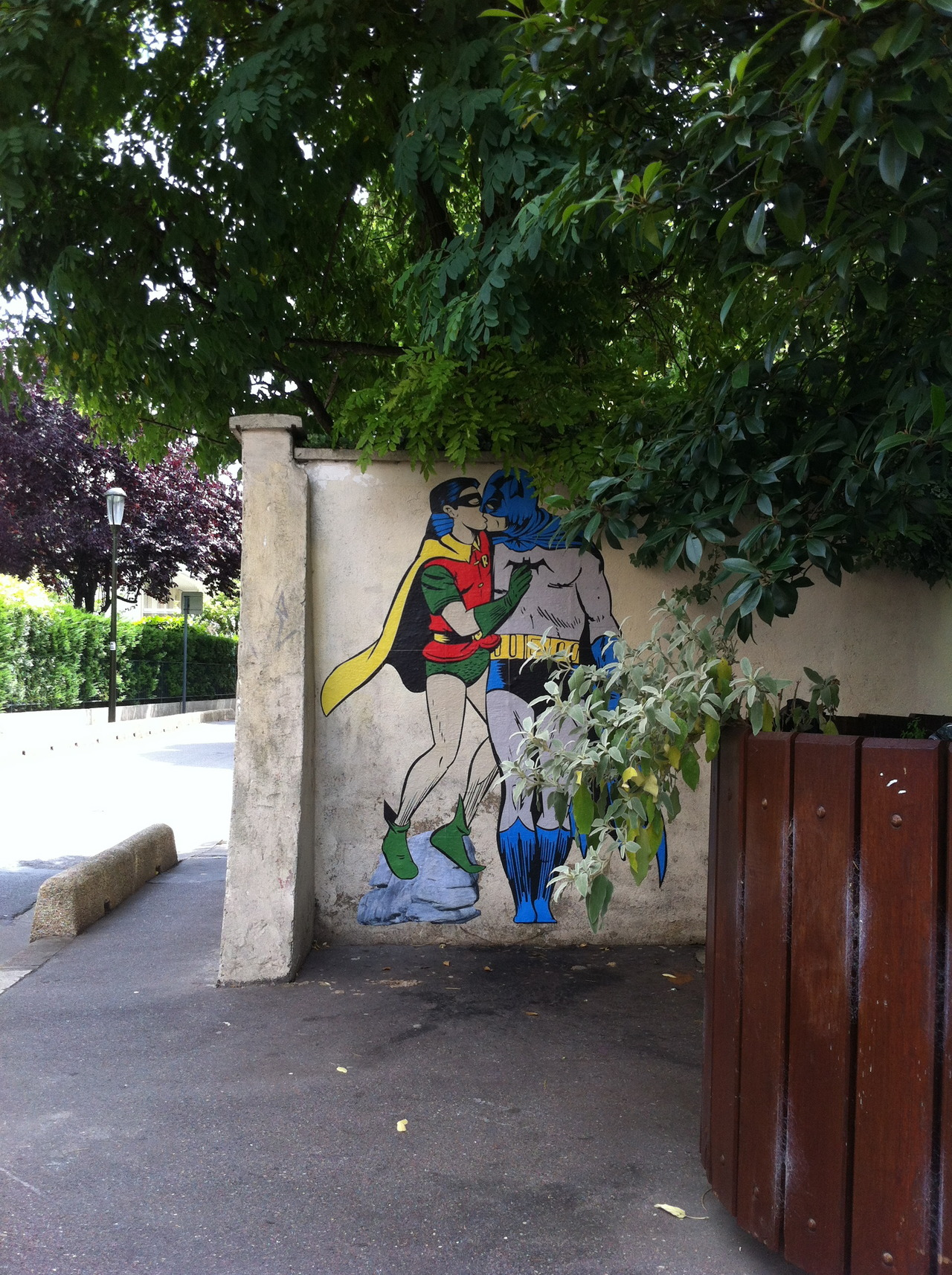 Batman and Robin kissing. By memeIRL in France 2