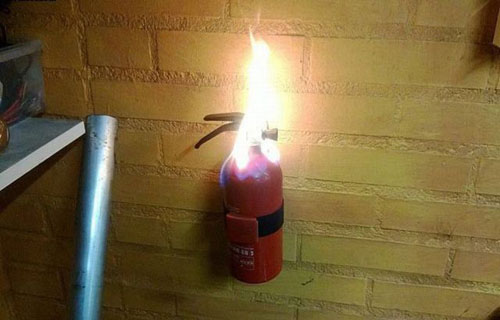 funny-dammit-moments-flaming-fire-extinguisher