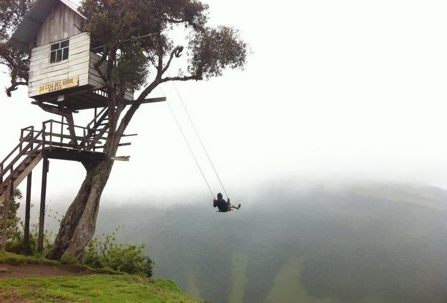 30 People Who Dared To Challenge Themselves By Doing Death-Defying Actions.