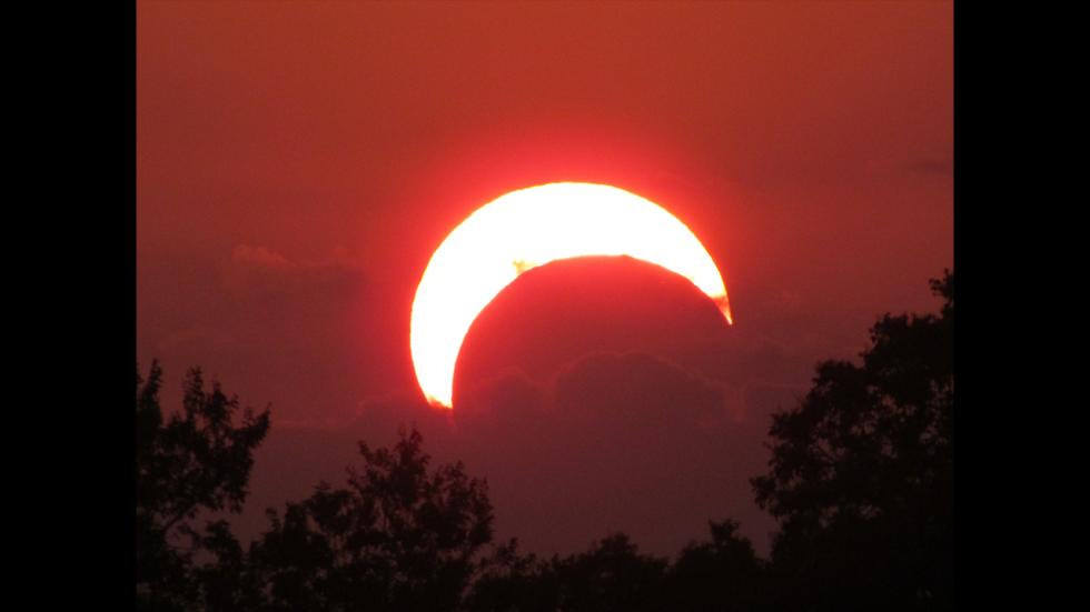 It's amazing out there awesome pictures Sunset Eclipse
