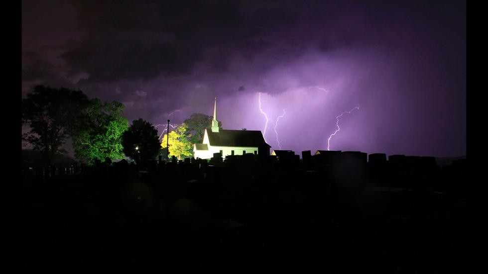 It's amazing out there awesome pictures Lighting of the Chapel