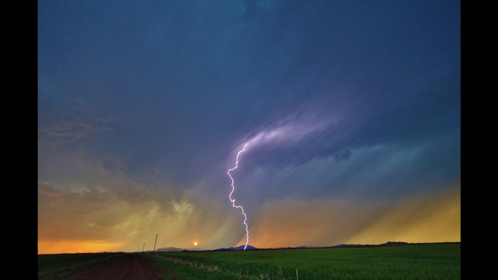 It's amazing out there awesome pictures Sunset Lightning