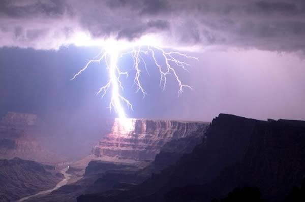 Best Lightning Strikes Photos Ever! Stunning But Also Scary!