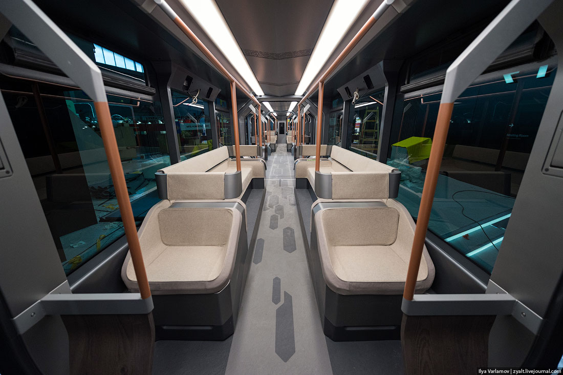 Moscow is getting these new, ridiculously good looking, hybrid trams for World Cup 2018! They look so much like they were from Star Trek!