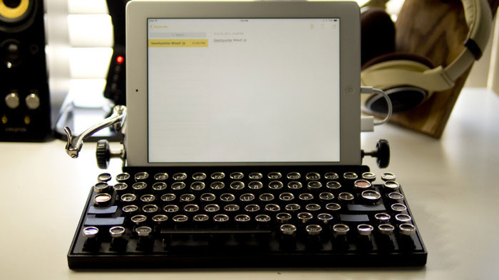 This Usb Keyboard Will Show You What It's Like To Type With A Real Mechanical Typewriter