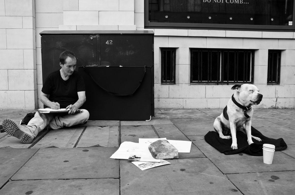 street-artist-and-his-dog