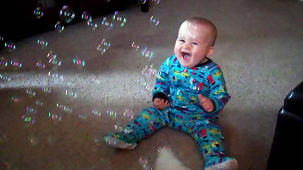 18.) Right now, somewhere a baby is discovering bubbles for the first time.