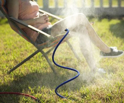 these amazingly ingenious accessories will make your backyard more awesome Flexible-mist-hose