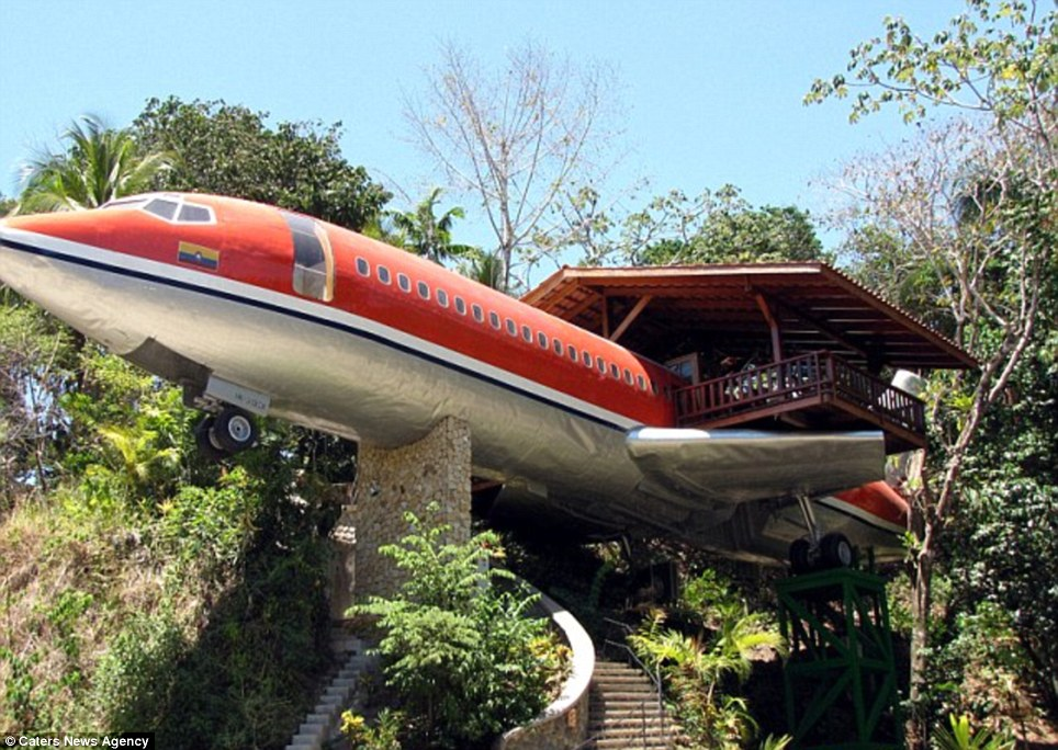 These hotel rooms have the most spectacular view 1965 Boeing 727