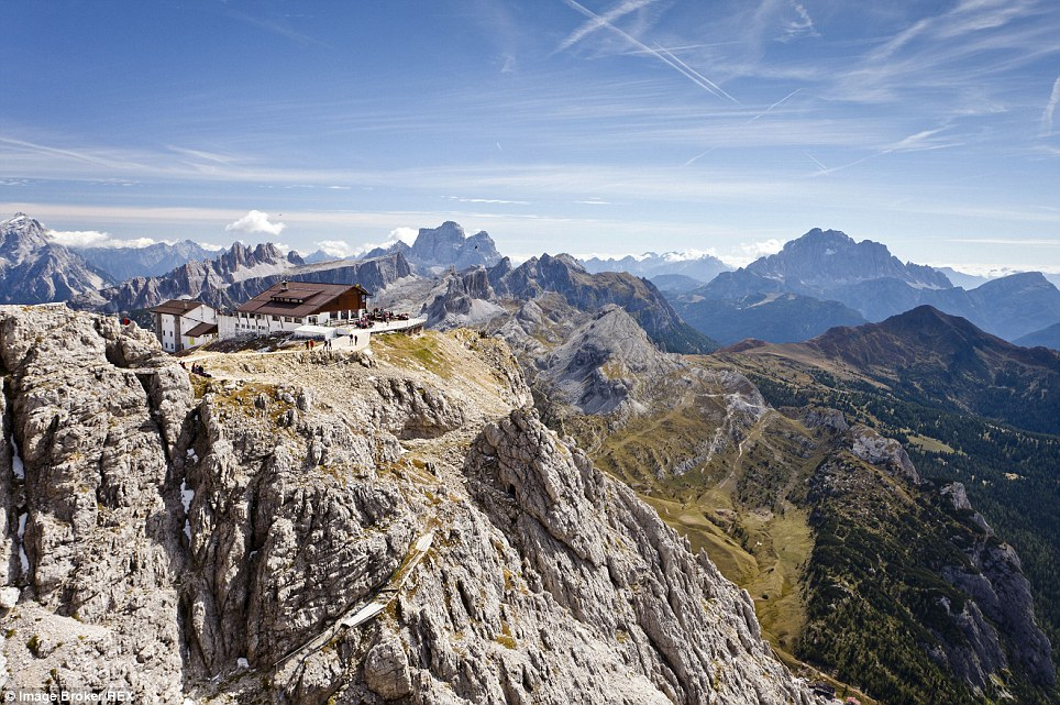 These hotel rooms have the most spectacular view Rifugio Lagazuoi