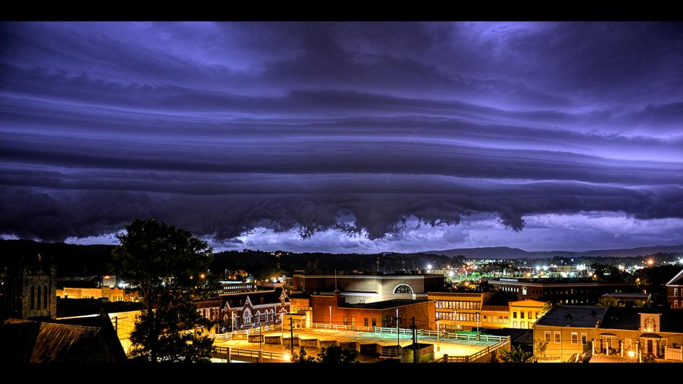 It's amazing out there awesome pictures Midnight Storm