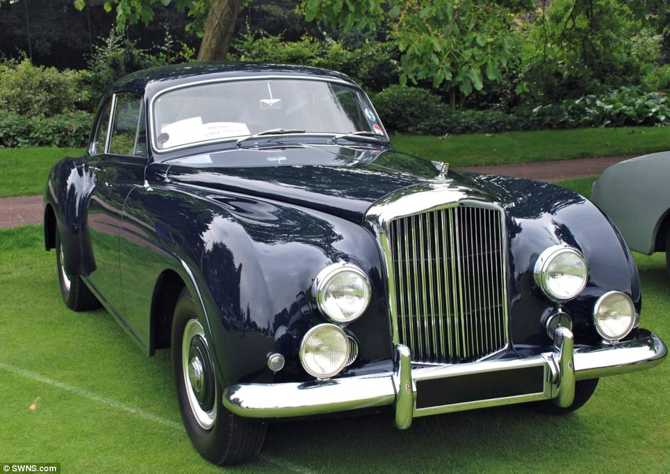 classic motors  car collection Jaguar