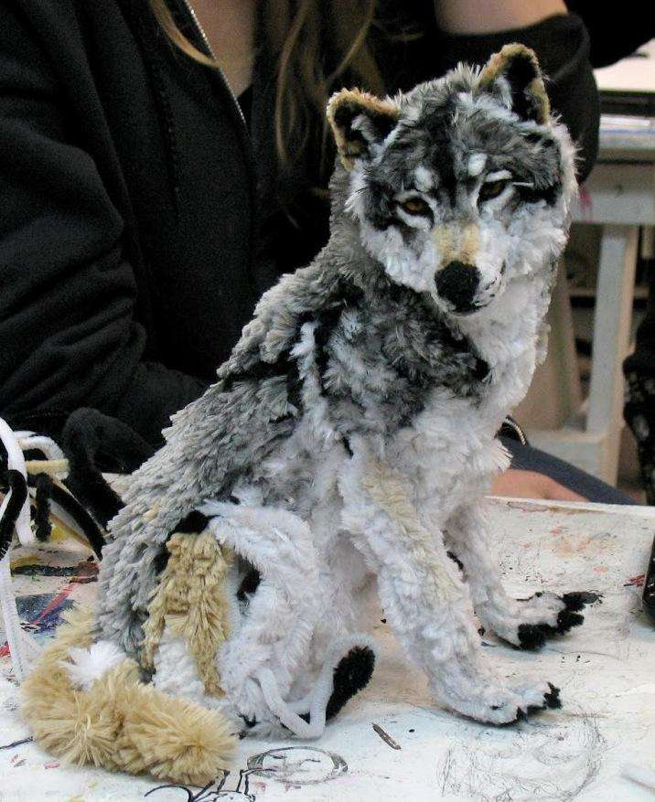 Artist Designs a Wolf Out of Pipe Cleaners