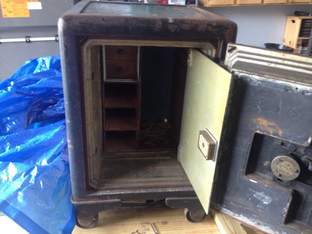 A locksmith got to open a safe today, and this is what he found. Awesome!