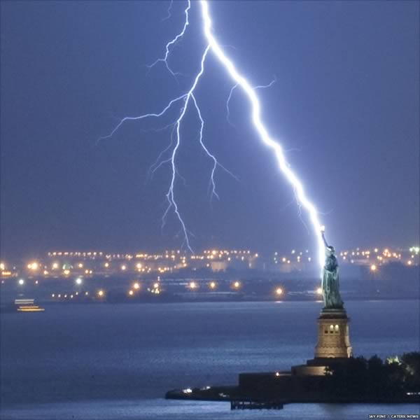 Really Impressive Best Lightning Strikes Photos Ever Stunning But Also Scar