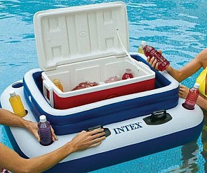 these amazingly ingenious accessories will make your backyard more awesome Floatingcooler