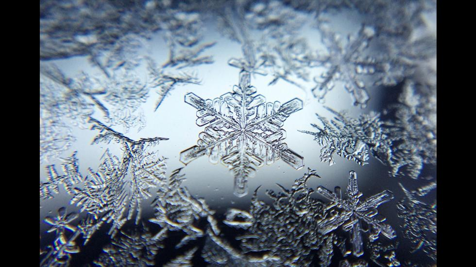 It's amazing out there awesome pictures Frigid Snowflake