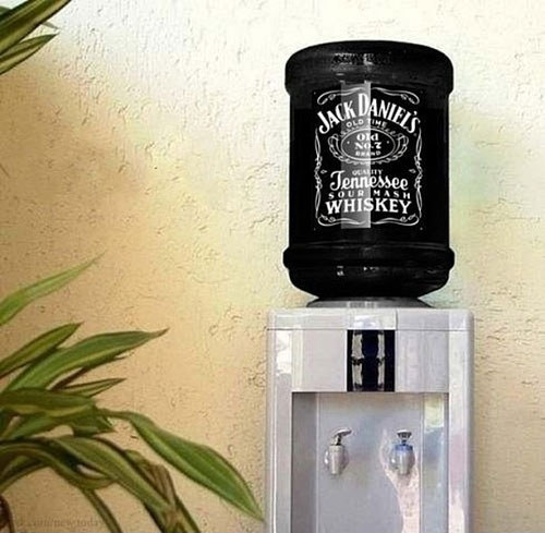 This is genius! These awesome products are so going to make your workday much better! waterSupplier