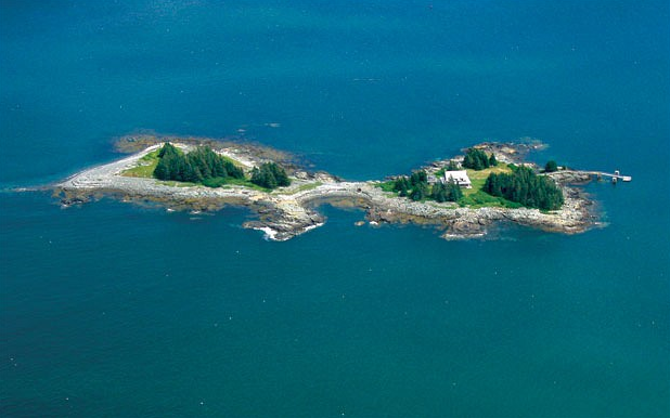 luxurious private island for vacation Spectacle Island, Maine, USA