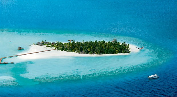 luxurious private island for vacation The Rania Experience, Maldives