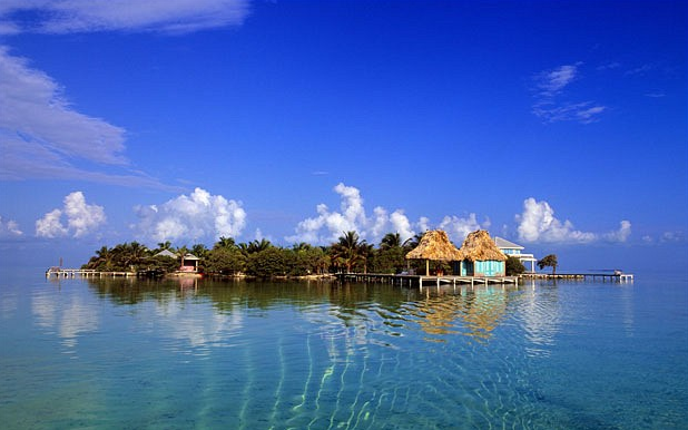 luxurious private island for vacation Cayo Espanto, Belize