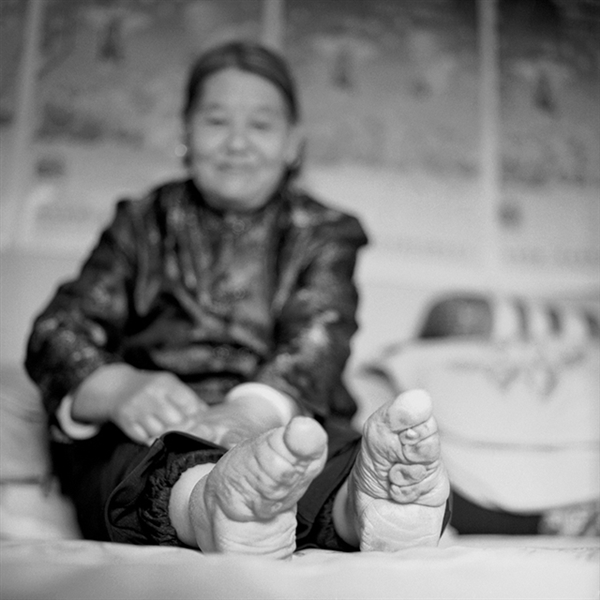 Living Story: The last living women with bound feet in China. Shocking photographs by Jo Farrell
