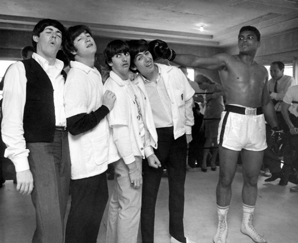 rare photos of the old and the dead The Beatles and Mohammad Ali, 1964