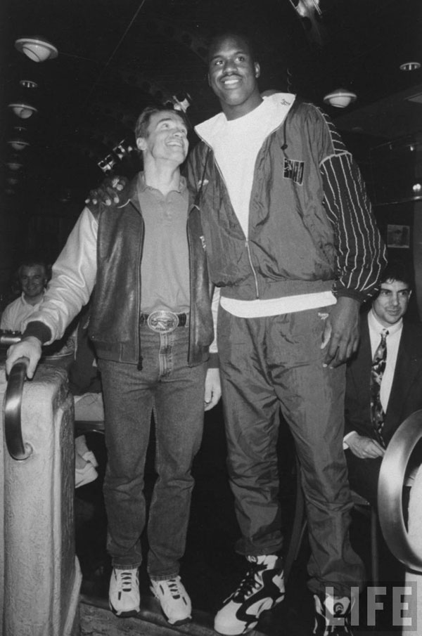 rare photos of the old and the dead Arnold Schwarzenegger and Shaquille O'neal