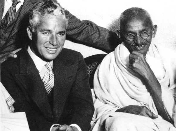 rare photos of the old and the dead Charlie Chapling and Gandhi