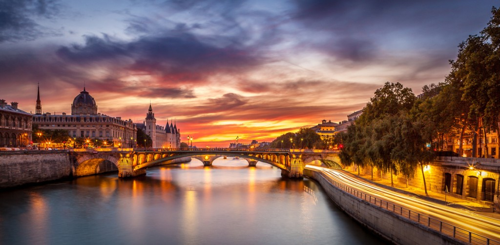 travel photography of French you don't want to miss Conciergerie Bridge Paris