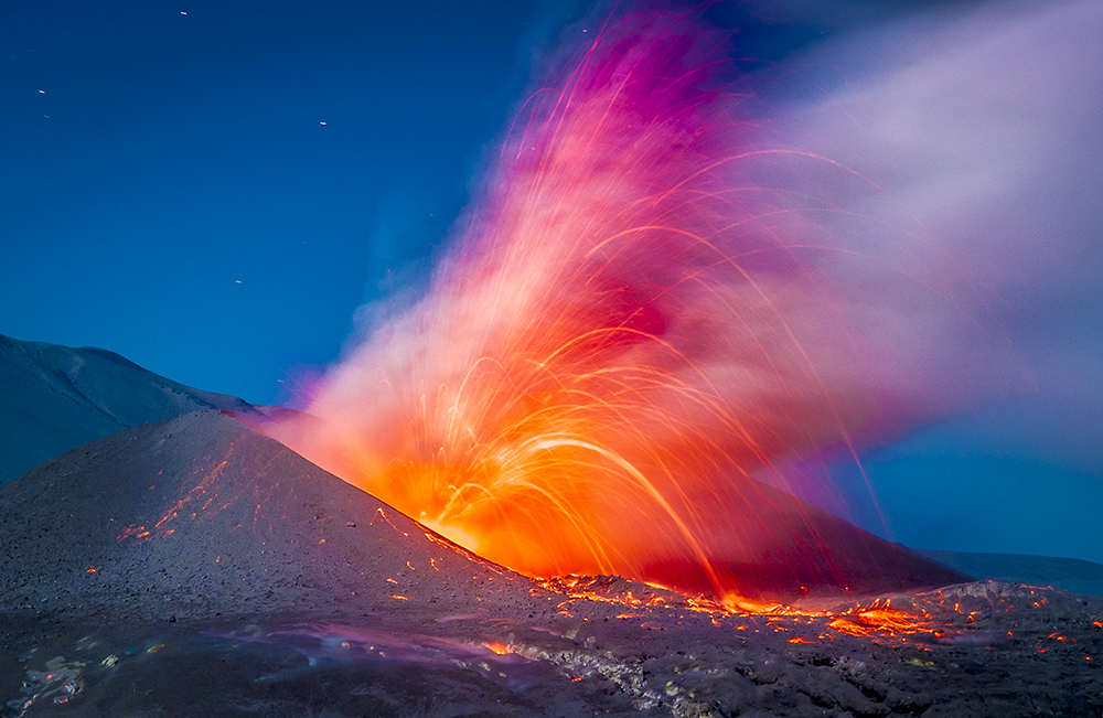 spectacular photographs by Francisco Negroni Crater