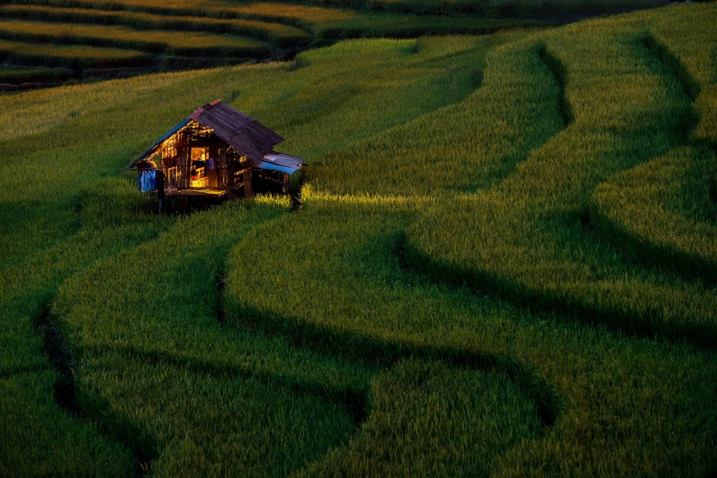 Fascinating photographs by sarawut intarob Light in Home