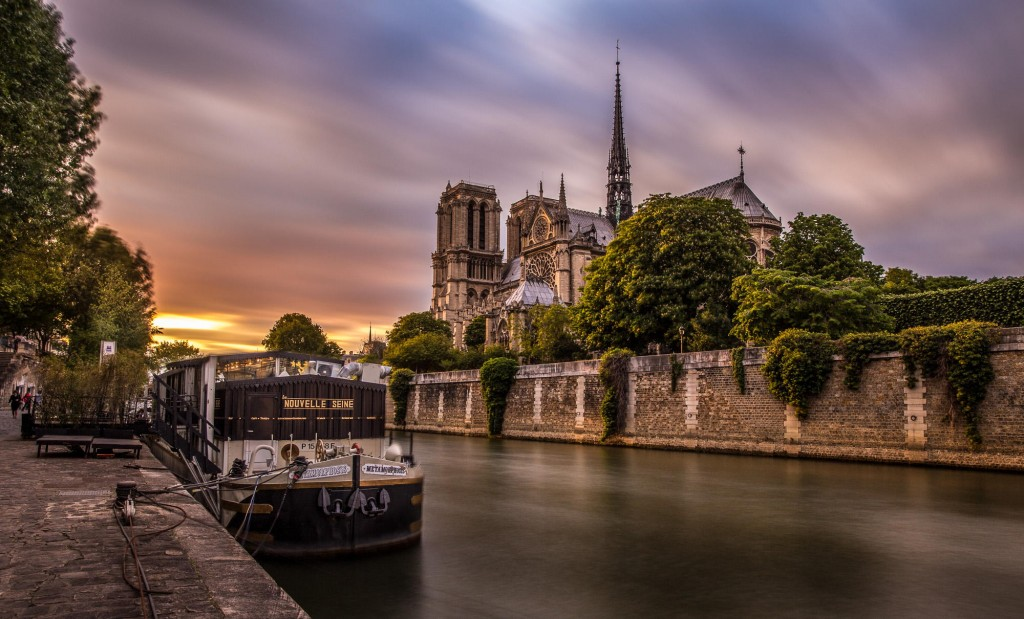 travel photography of French you don't want to miss Notre Dame Long exposure