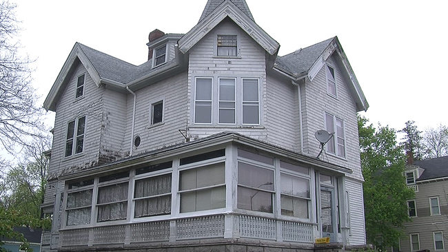 Real haunted houses are on market now, do you want to live with some ghosts?