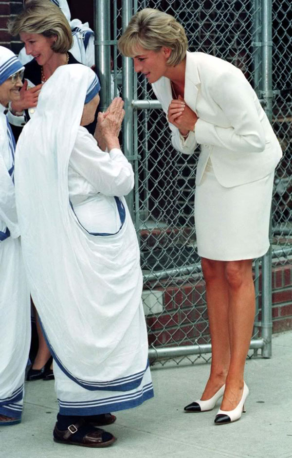 rare photos of the old and the dead Mother Teresa and Princess Diana