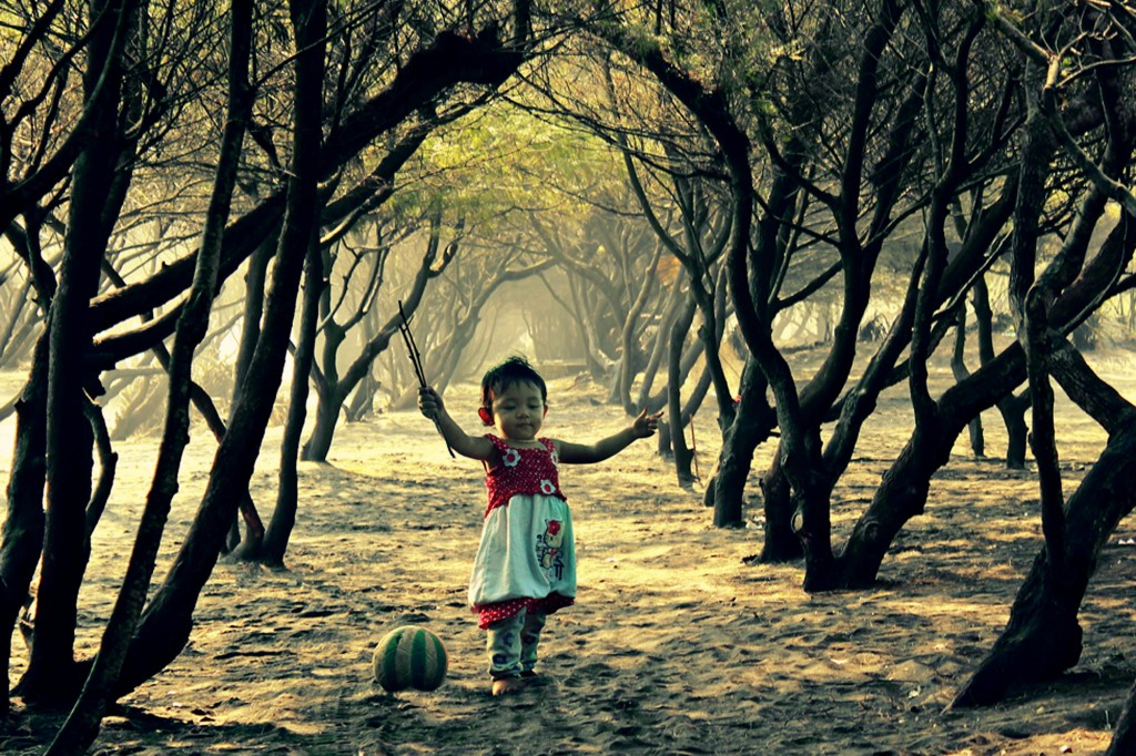incredibly stunning children's photographs by 3 Joko let's sing......