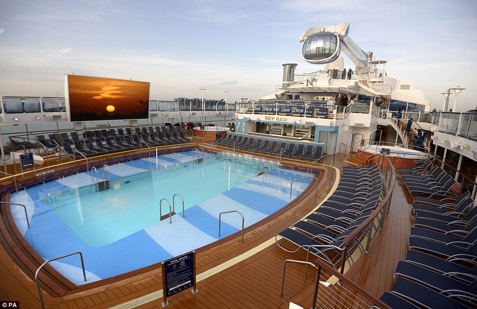 Quantum Of The Seas The World S Third Largest Smartship Arrives In Uk For Maiden Voyage