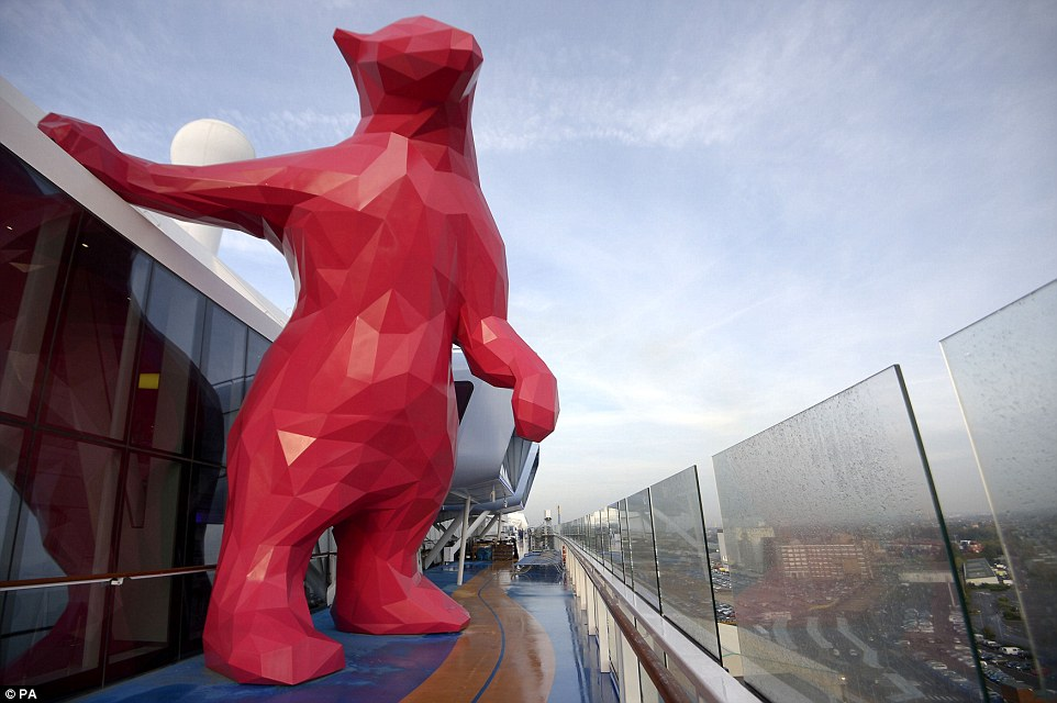 The bear is made of 1,340 stainless steel triangles, weighing approximately eight tons